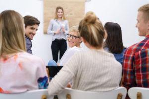 Fort- und Weiterbildungen für Beschäftigte in der Pflege